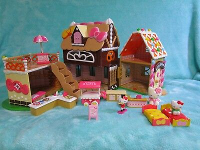 Sanrio Hello Kitty Sweet Candy/Cake Gingerbread House Beautiful Condition