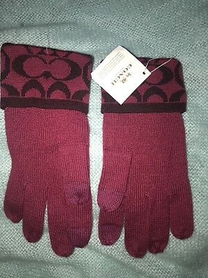 Coach brand Wool blend Knit Logo Touch Gloves Raspberry/Sherry F85216