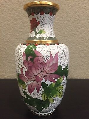 Beautiful Early 20th Century Hand Painted Chinese Cloisonne Flowered Vase