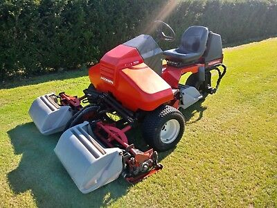 JACOBSEN TRI KING 1900 D Triple Outfield Sport Mower
