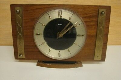 V056 Vintage Metamec Mantle Clock Movement goes but not tested for any period of