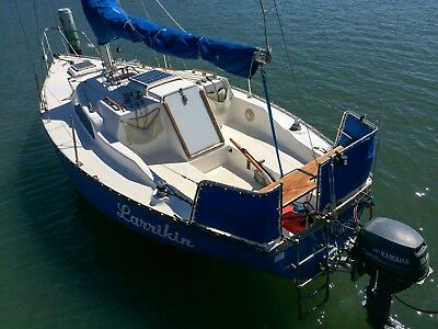 Easy sail 5pax stay-aboard cruising yacht