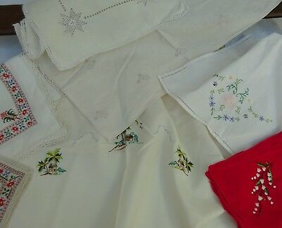 8 x Pretty Embroidered Table Mats Antique & Vintage Linens Lace