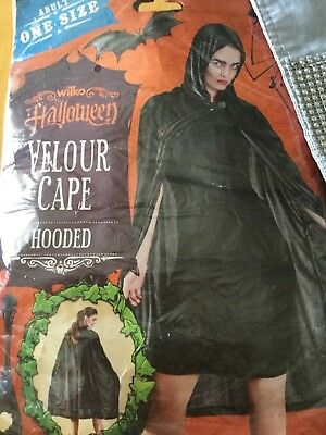 Adults One Size Halloween Velour Black Hooded Cape new