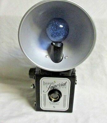 VINTAGE 1950s IMPERIAL HERCO CAMERA  WITH FLASH & BULB