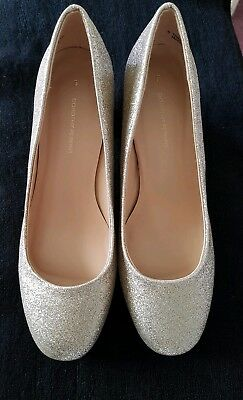 b46ec8cfd08 New Dorothy Perkins  Gold Daze  Sparkly Court Shoes UK Size 5