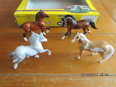 Breyer #5976 Stablemates Gift Collection 4 pieces