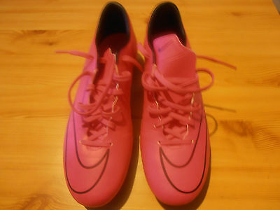 Neuves Heure Nike Cause Rose De Taille 43 9 Ou Football Chaussures Une Portées 5 ymNn8vO0w