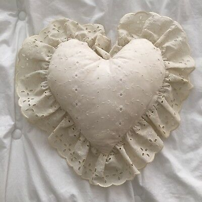 VTG Off-white Eyelet Lace Decorative Heart Pillow Country Cottage Shabby Chic