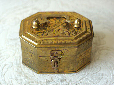Vintage Solid Brass Hand Crafted Hinged Trinket Cricket Box 8 Sides With Latch