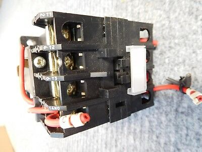 MTE 3 Ph Contactor 240 V coil   32 Amp