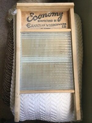 VtG WASHBOARD GLASS CANADIAN WOODENWARE CO. WOOD PRIMITIVE WASH BOARD WASHING