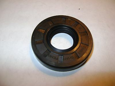 New Tc 17X40X7 Double Lips Metric Oil / Dust Seal With Garter Spring
