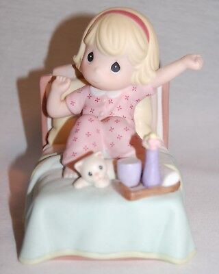 "Precious Moments Cm990001 "" Sing For Joy With Each New Day "" 2000 Girl In Bed ;"