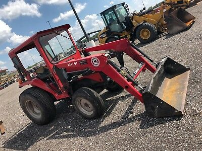 Massey Ferguson 1260 Tractor with CAB and LOADER!
