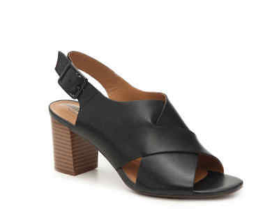 0540cc315f5 Clarks Women s Deva Janie Black Leather Block Heel Sandal Size 9.5M Retail   90