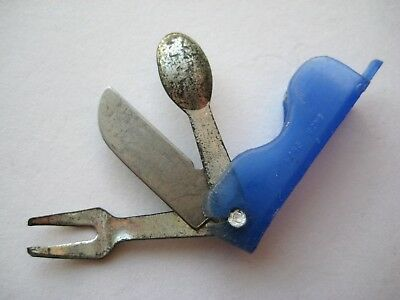 VINTAGE Plastic Fold Out CAMPING SILVERWARE Gumball Prize Charm