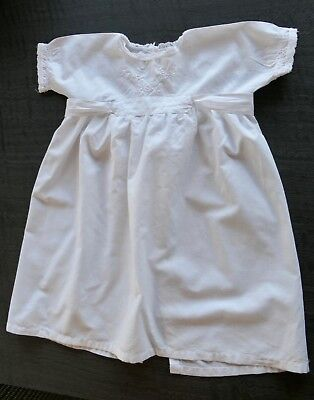 VINTAGE 1950s WHITE COTTON BABY'S NIGHTGOWN, HAND-EMBROIDERY, LACE