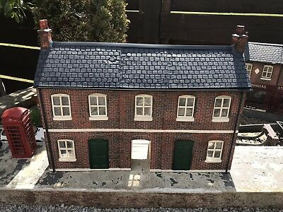 Garden Railway British Outline G Scale/ Gauge 1 Terrace With Alley Painted Kit.