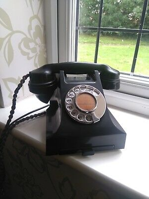 Vintage GPO working Bakelite Telephone Antique Decorative Prop Deal or no Deal.