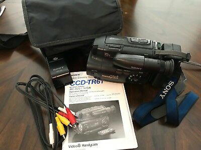 Sony Handycam CCD-TR61 Video Camera Recorder Video 8 Bundle Manual Carrying Case