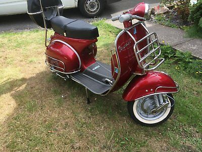 classic vespa scooters
