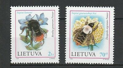 Lithuania 1999 Insects / Bees 2 MNH stamps