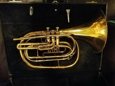 King 1122 Bb Marching French Horn With Mouth Piece And Case