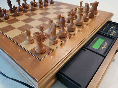 Schachcomputer Mephisto Exclusive Polgar mit LED Display
