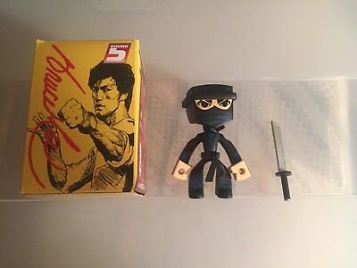 Round 5 Bruce Lee Temple Of Kung Fu Series 1 Bruce Lee Yellow Suit Staff 1//15