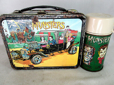Vintage 1965 The Munsters metal lunch box & Thermos set