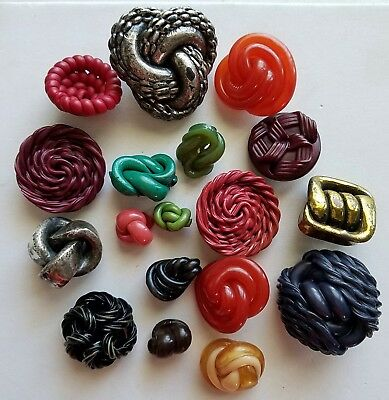 #8S Lot of 18 Assorted Metalized Celluloid & Other Noodle Extruded Buttons