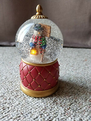 2009 Mr. Christmas Musical Snow Falling Snowman Snowglobe