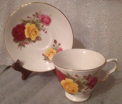 QUEEN ANNE FINE BONE CHINA CUP & SAUCER ~PATTERN #8519 ~Roses ~ ENGLAND