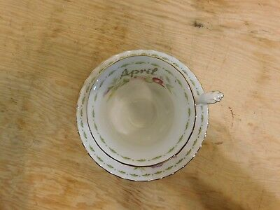 VINTAGE ROYAL ALBERT FLOWER of MONTH APRIL SWEET PEA TEA CUP & SAUCER ENGLAND