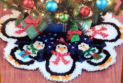 "Craftways Latch Hook  Rug Kit  ""Christmas Penguins Tree Skirt"""