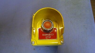 1 – Square D 9001KYG1Y Emergency Stop Push Button Station Yellow.  NEW
