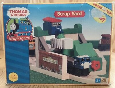 Thomas & Friends Scrap Yard Schrottplatz Wooden Railway Holzeisenbahn