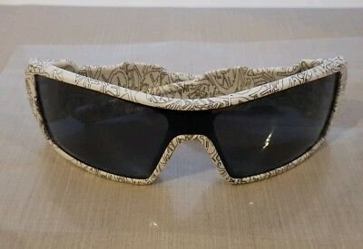 Rare Oakley Oil Rig Sunglases With Grey Text Print. Perfect Condition