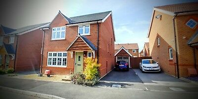 Immaculate 4 Bed Detached Family Home with Parking and detached garage