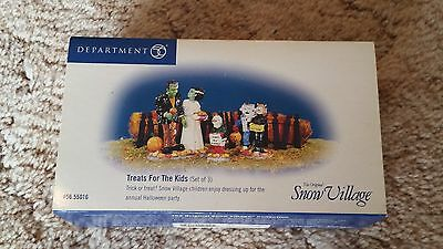"""Department 56 Halloween """"treats For The Kids"""" 55016 In Box"""