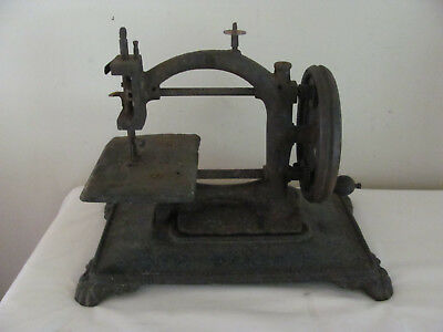 Antique Vtg 1800's Cast Iron Table Top Hand Crank German Sewing Machine