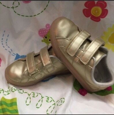 Girls Carters Light up Shoes Size:11