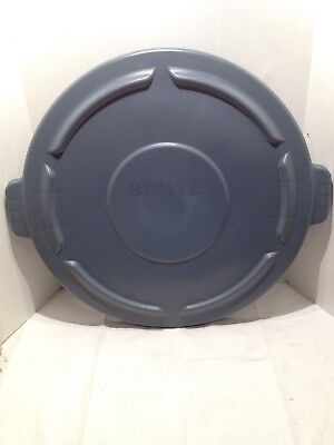 Rubbermaid 264560 Brute Vented Round Trash Container Lid, Gray (RCP 2645-60 GRA)