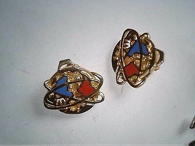 RARE,Vintage,1964 World's Fair,  Unisphere Gold Tone and Color clip earrings !!