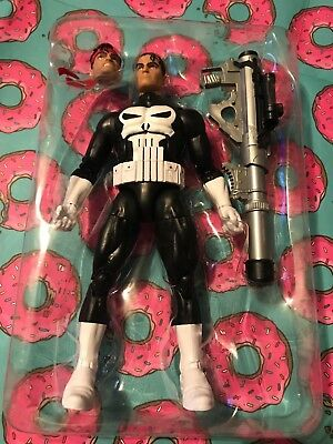 "Hasbro Marvel Legends Classic Series ""Punisher"" 6"" Action Figure *Complete*"
