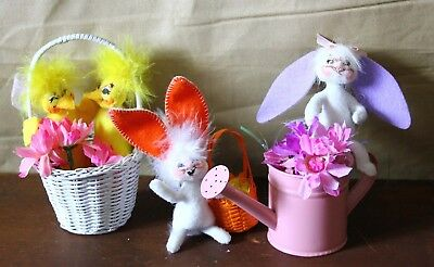 Lot of three Annalee small toys