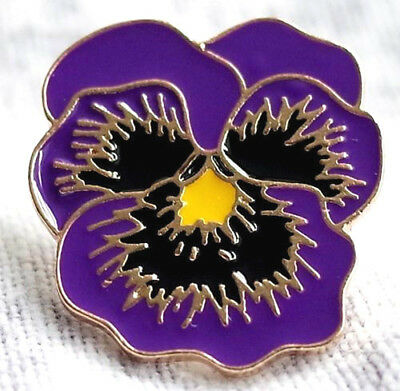 REMEMBERING THE ANIMALS OF WAR New Purple Flower Poppy Day Badge 2019  DOG TRUST