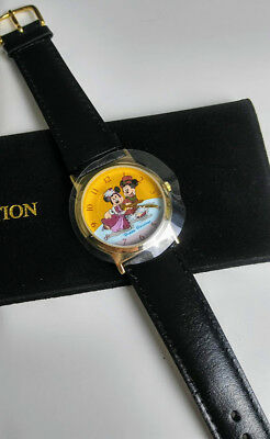 Vintage 1998 Disney Cast Exclusive Holiday Watch Mickey Minnie Ice Skating