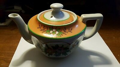 Maden Made in Japan Floral Design Teapot 3-4 Cup w Lid